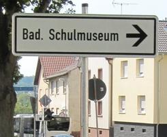 Schild Badisches Schulmuseum Karlsruhe - Palmbach